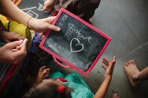 Udover mad og sociale aktiviteter vil børnene, der kommer i centeret, snart kunne modtage undervisning.